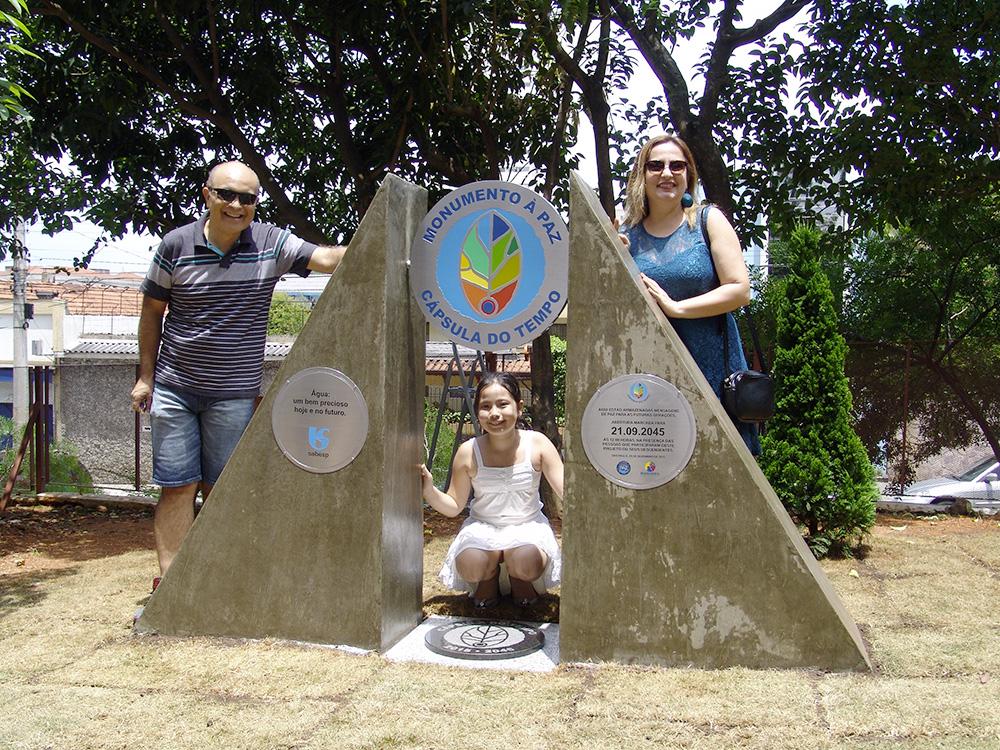 Capsula do Tempo e Monumento a Paz